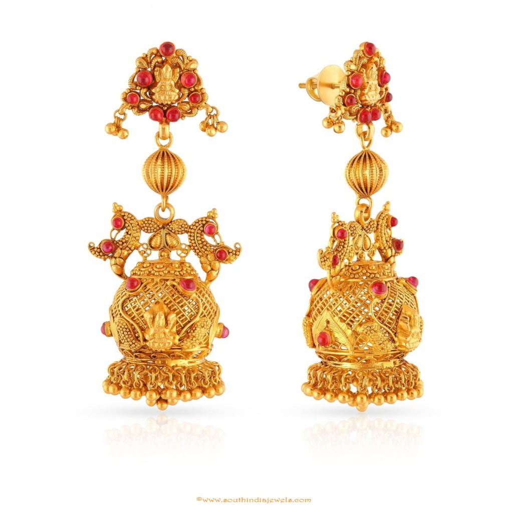 gold antique earring design from Malabar gold and diamonds