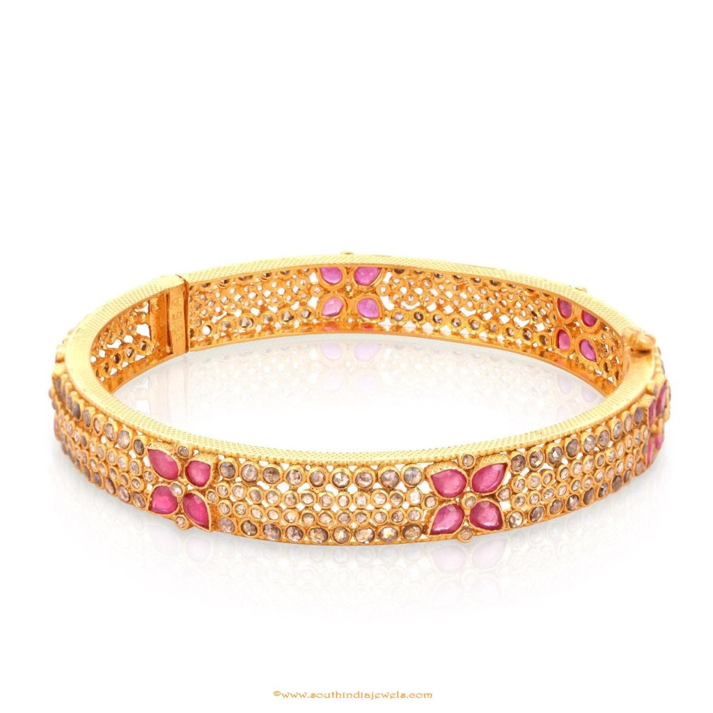 Gold-uncut-diamond-bangle-design-from-malabar-gold-and-diamonds