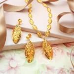 Simple Gold Short Necklace Design