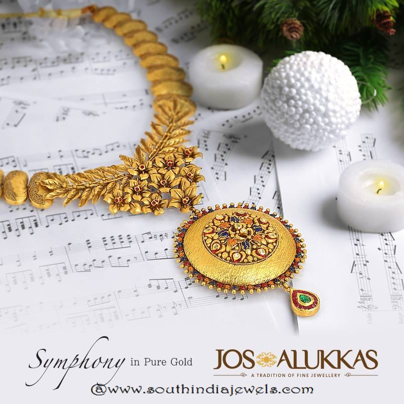 22k gold floral necklace from Josalukkas