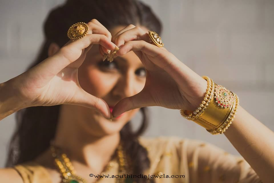 Gold Bridal Rings and Bangles from Manubhai Jewellers