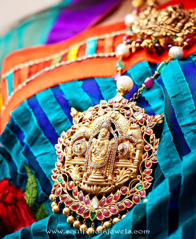 22k gold temple jewellery locket