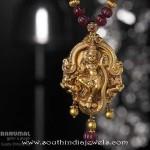 Antique temple pendant from Tibarumal