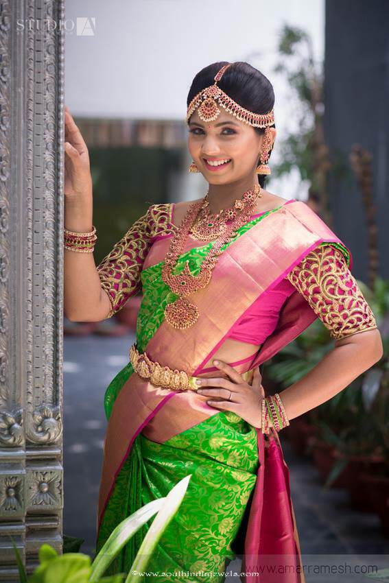 Indian bride in kemp jewellery