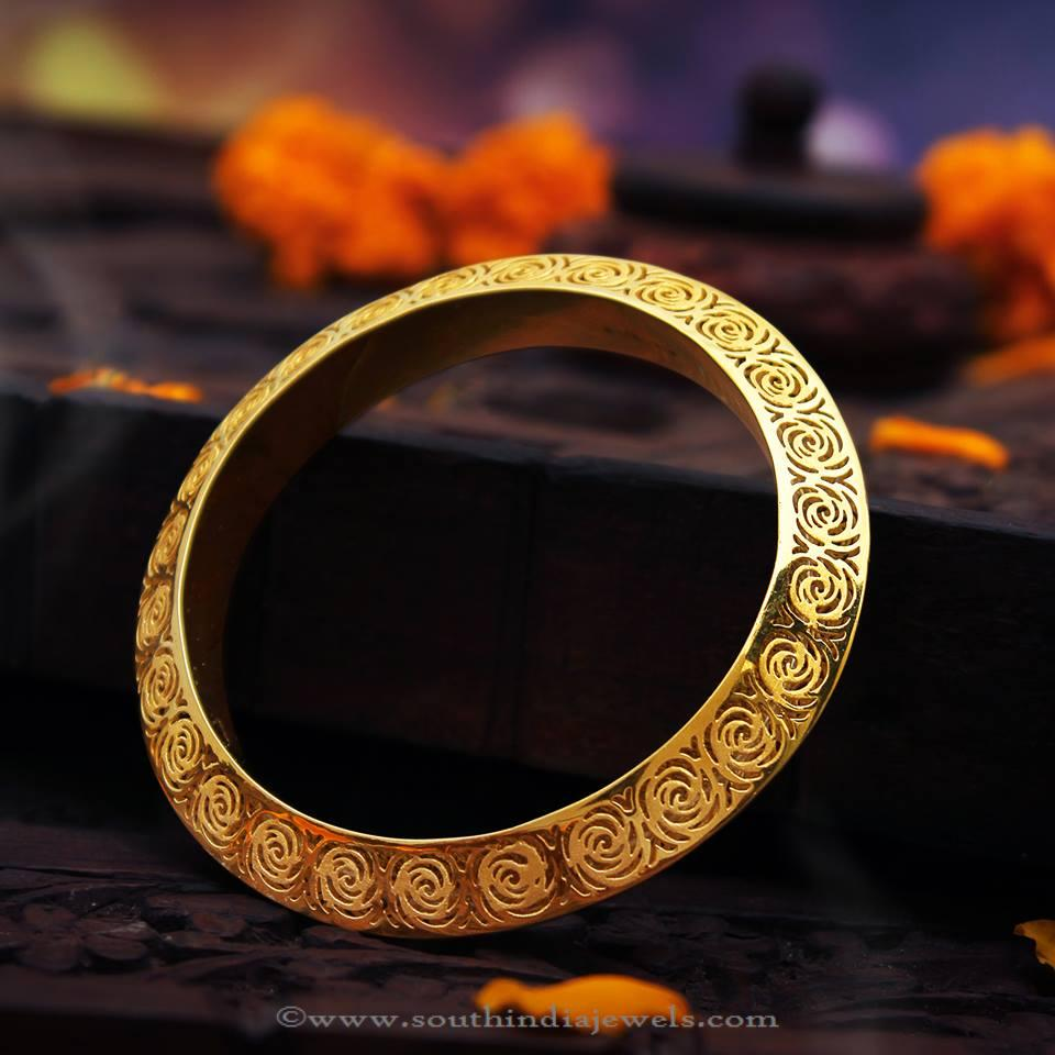 Latest Deisgner Gold Bangle From Manubhai