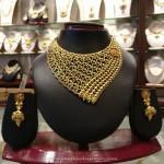 Designer Gold Choker For Wedding Reception
