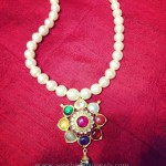 Simple Pearl Neckalce with Navarathana Pendant