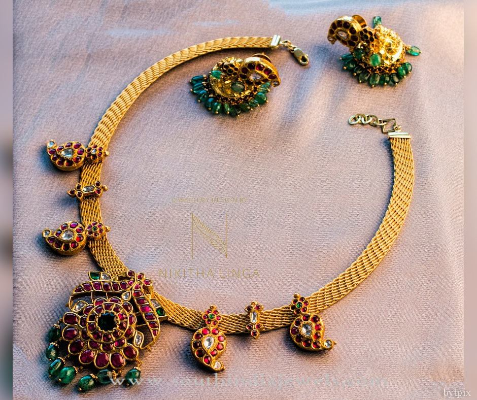 Gold South Indian Antique Necklace from Nithika Linga