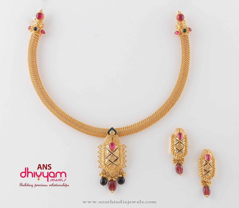 Gold Short Necklace Set And Earrings South India Jewels,Srilankan Bathroom Designs Photos