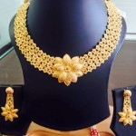 22K Gold Floral Necklace Design