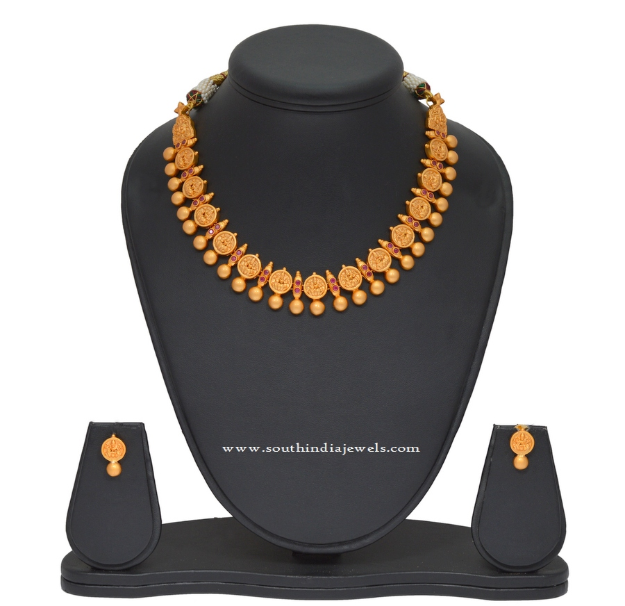 Simple 1 Gm Gold Coin Necklace and Ear Stud
