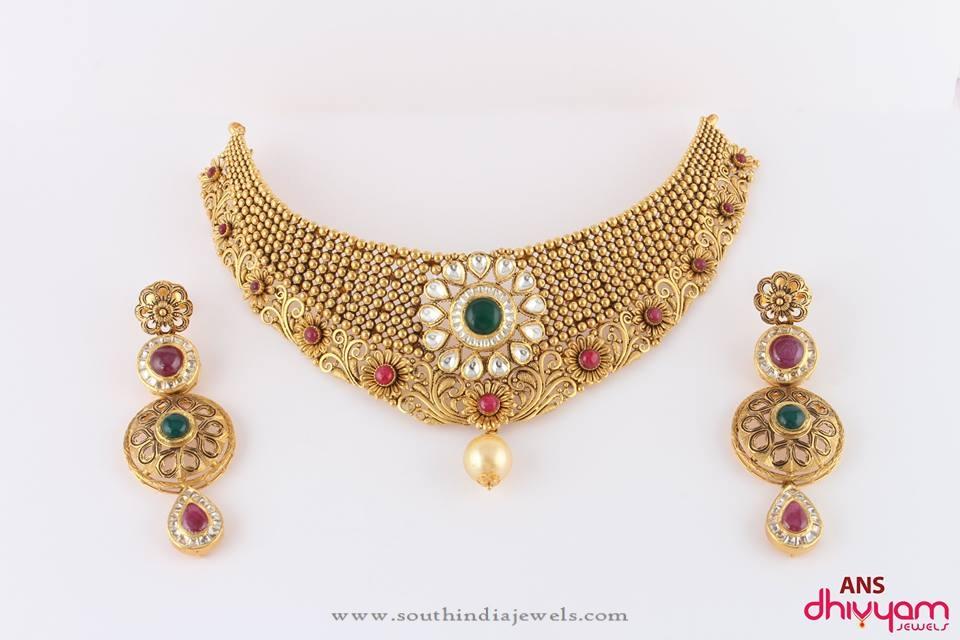 Gold Designer Kundan Choker Necklace