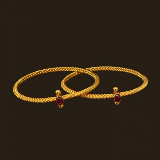Gold Bangle Design for Daily Use