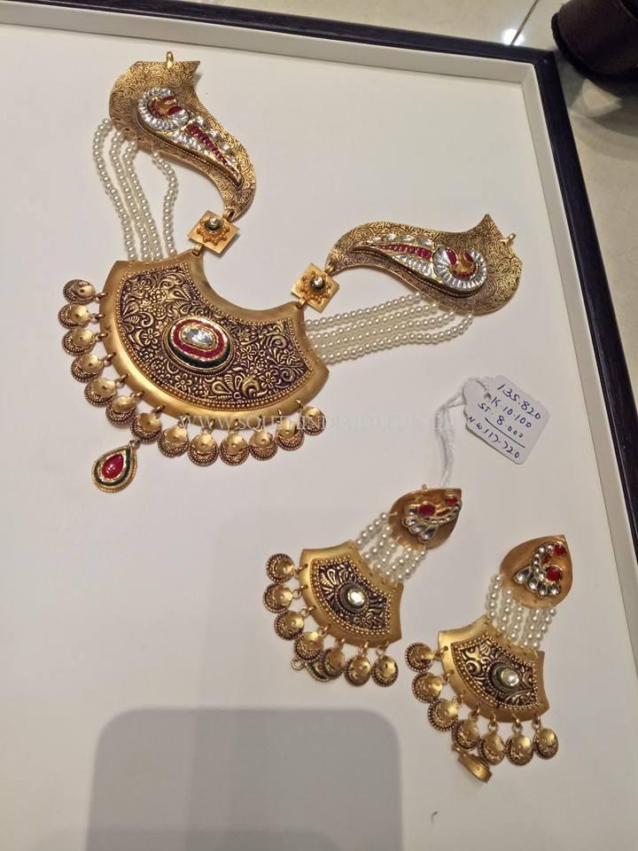 Gold Pearl Designer Necklace Set
