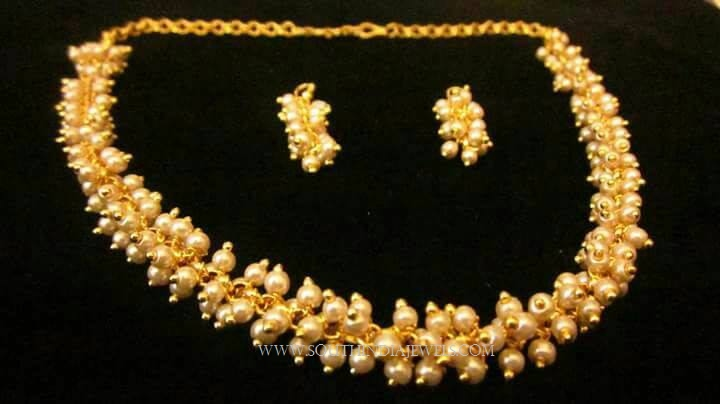 Simple Pearl Necklace Set