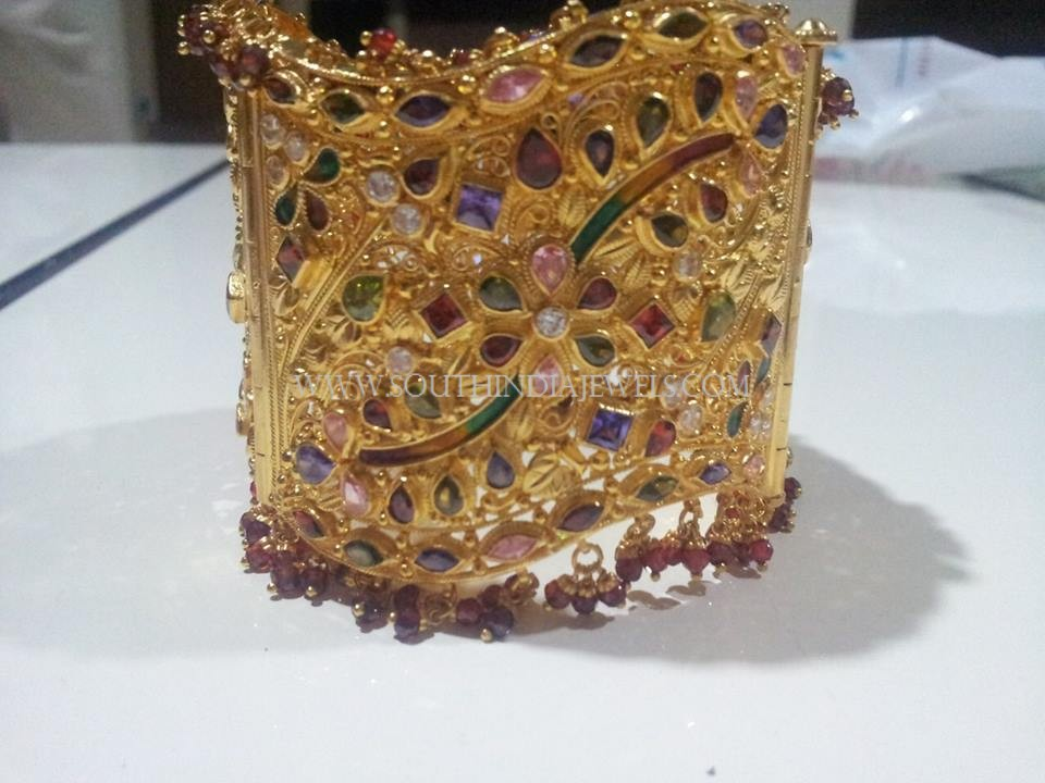 Huge Gold Stone Bangle Model