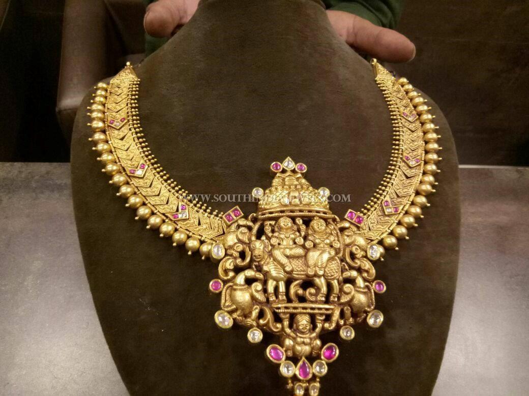 Gorgeous Gold Antique Temple Necklace Model