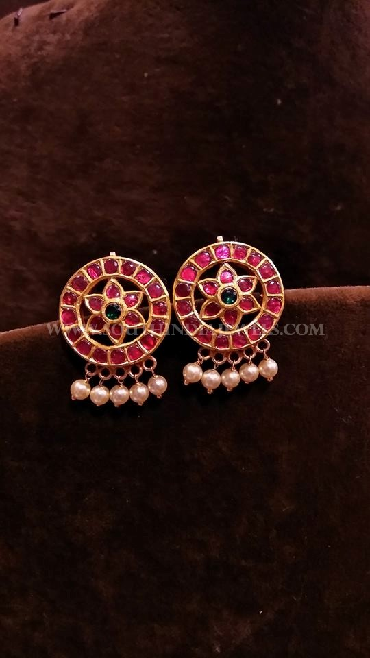 Gold Antique Ruby Ear Stud Design
