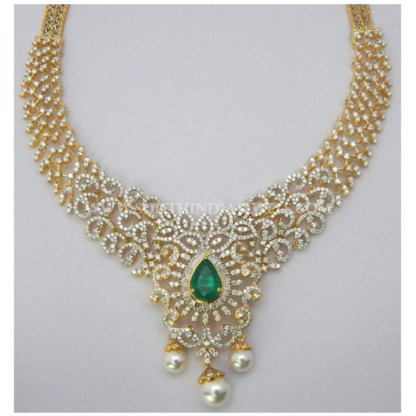 Traditional Diamond Necklace Model