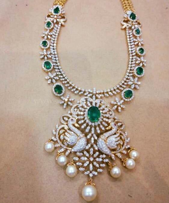 Diamond Emerald Necklace From Lakshmi Jewellers