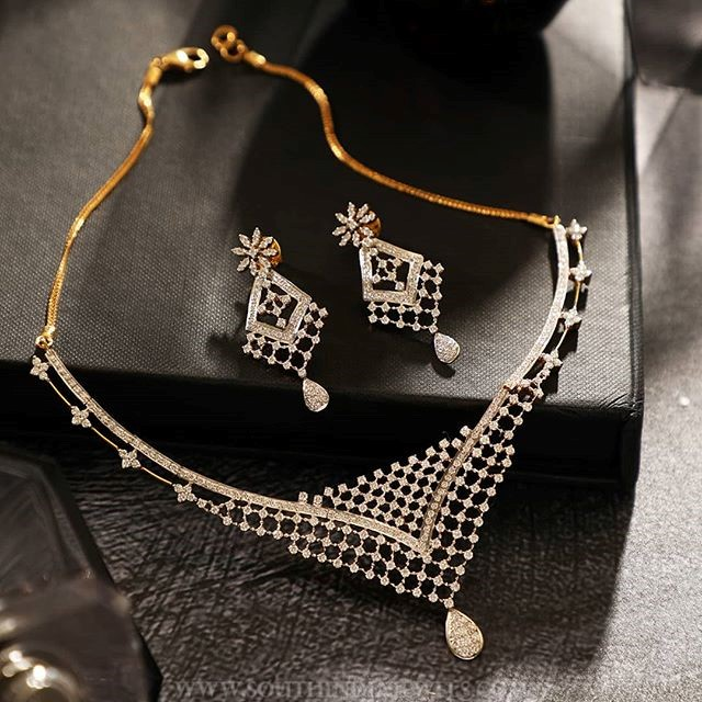 Stylish Diamond Necklace From Manubhai Jewellers