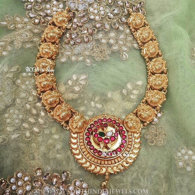 Gold plated silver nakshi necklace bcos its silver