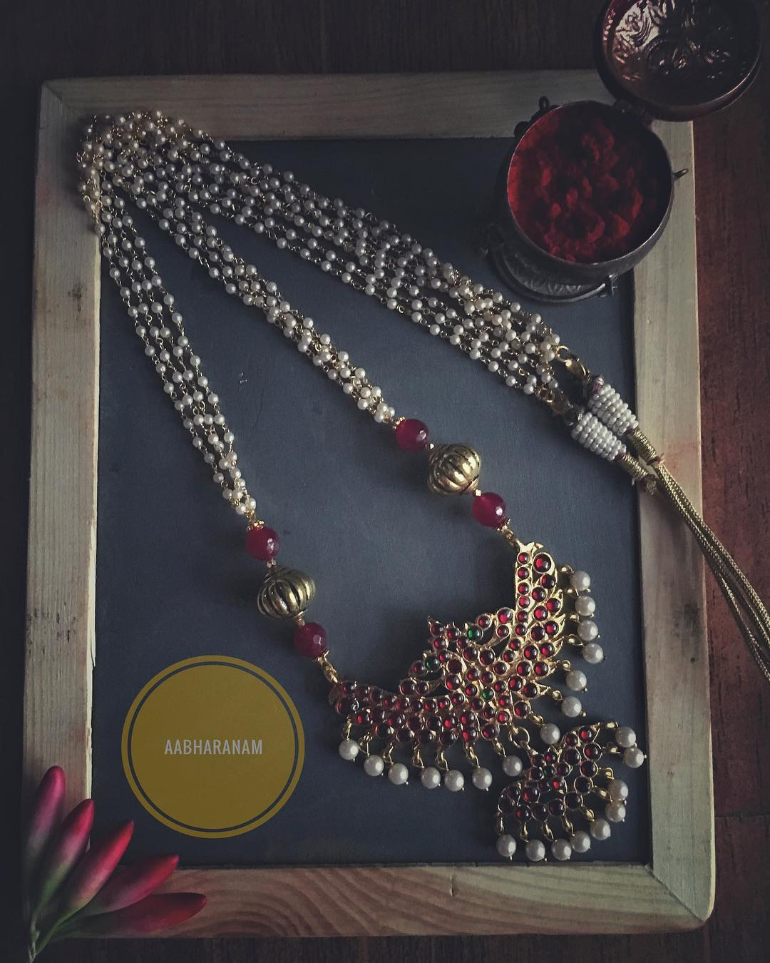 Beautiful Kemp Necklace From Abharanam