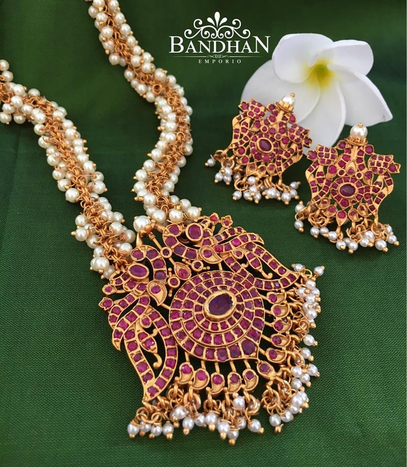 Beautiful Pearl Necklace Set From Bandhan