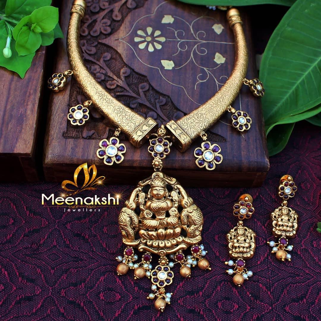 Exquisite Handcrafted Necklace Set From Meenakshi Jewelleries