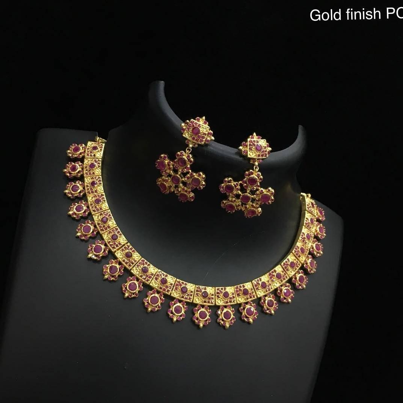 Classic Necklace Set From Alamakara