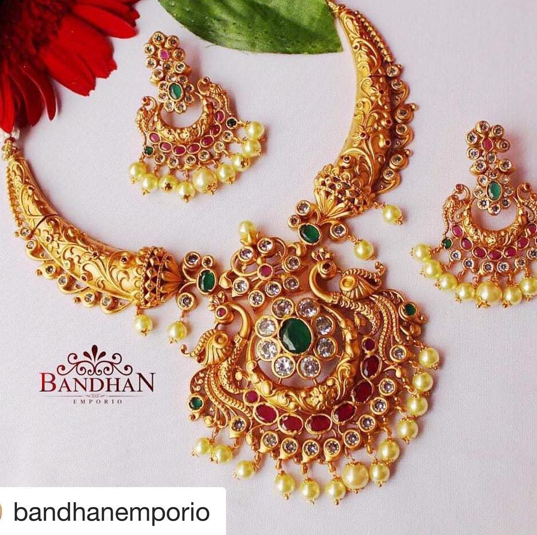 Adorable Necklace Set From Bandhan