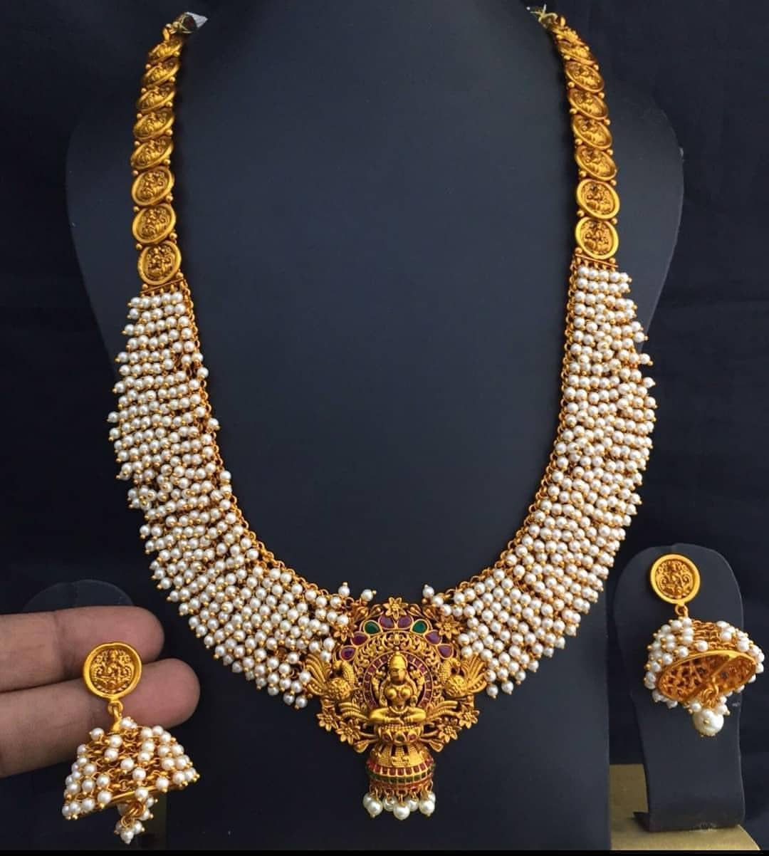 Gorgeous Pearl Necklace From Dhruvam