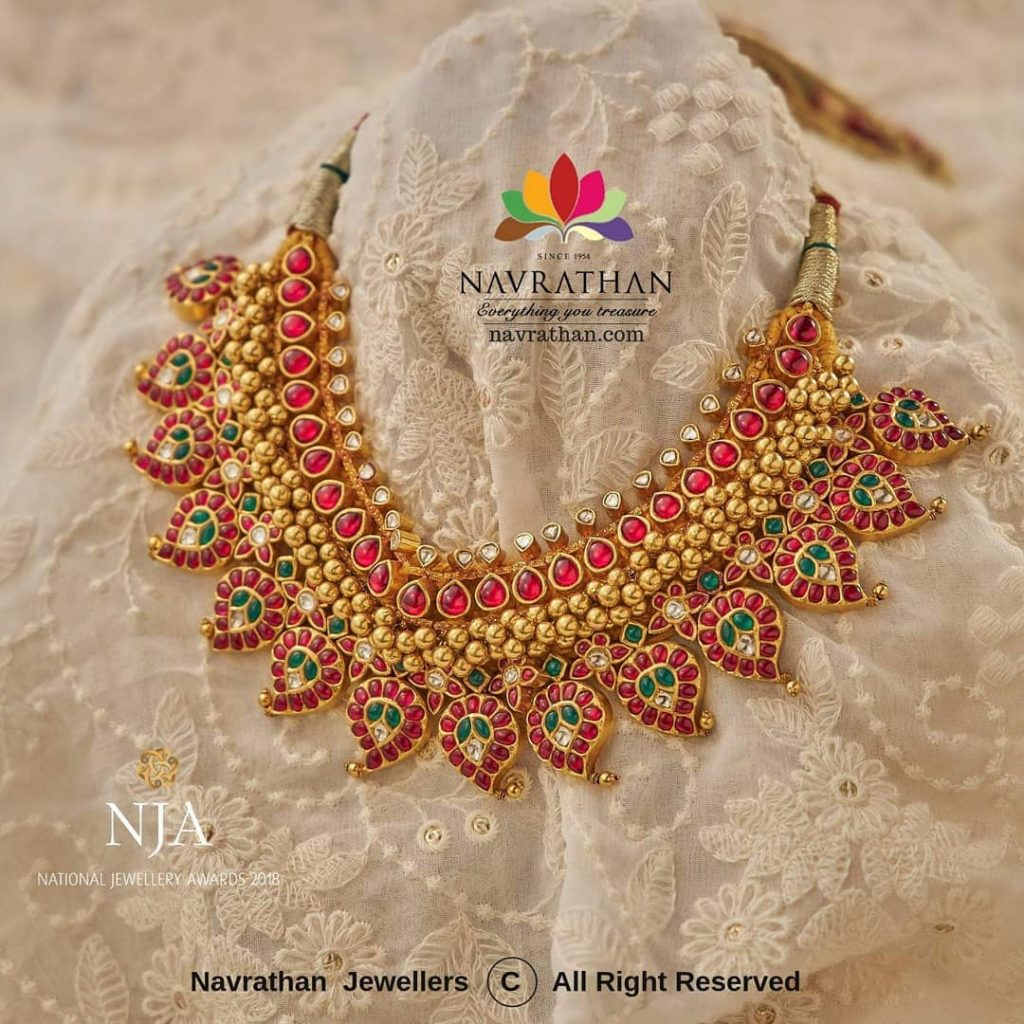 Bold Gold Necklace From Navrathan Jewellers