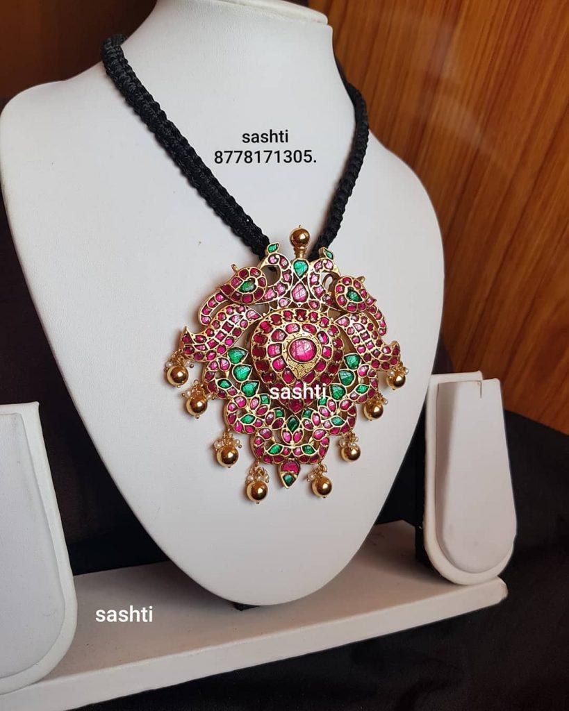 Fashionable Silver Necklace From Silver Sashti