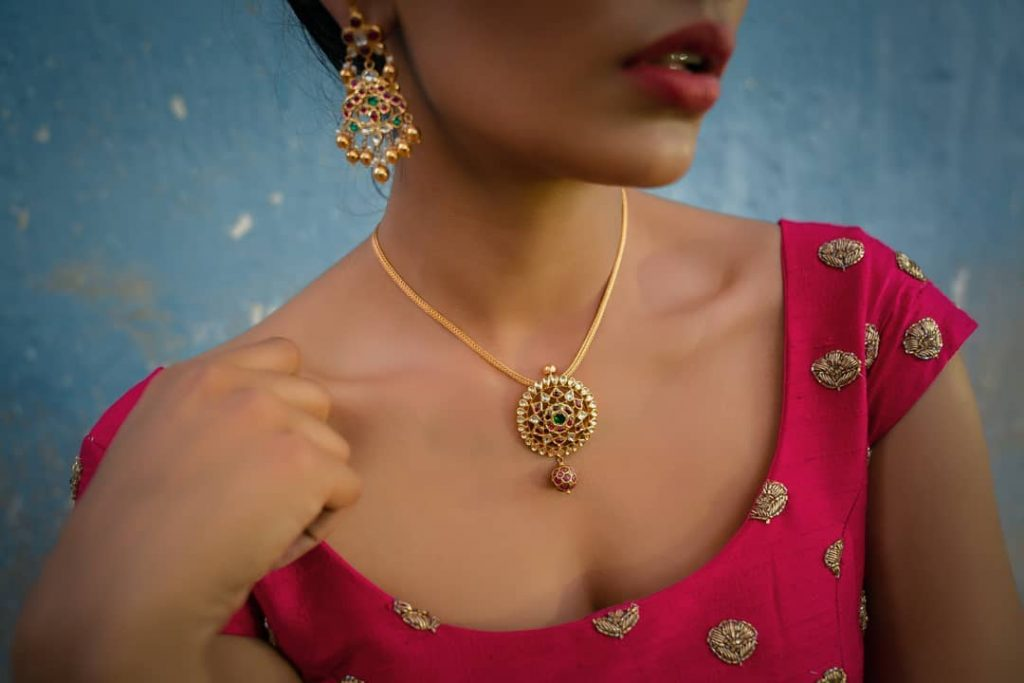 Pretty Gold Necklace Set From Aarni By Shravani