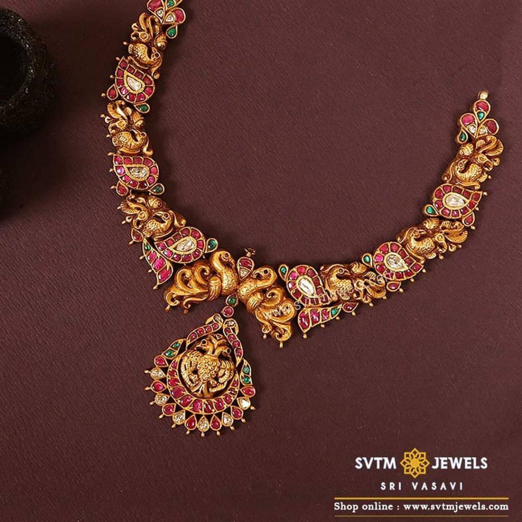 Alluring Gold Necklace From Sri Vasavi Thanga Maligai