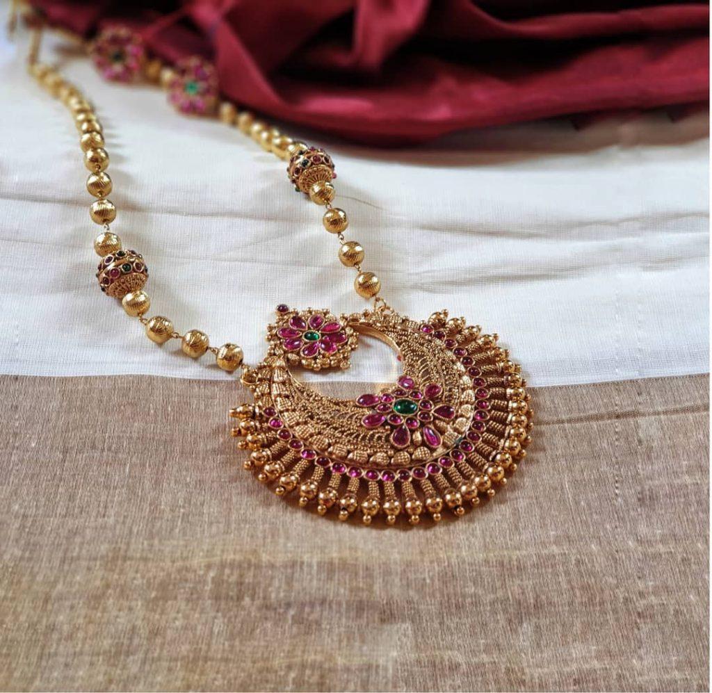Trendy Necklace From Vasah India