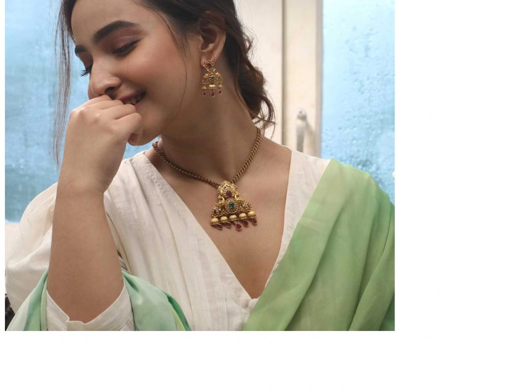 Mind Blowing Necklace Set From Tarinika