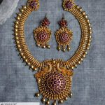 Attractive Necklace Set From Surashaa