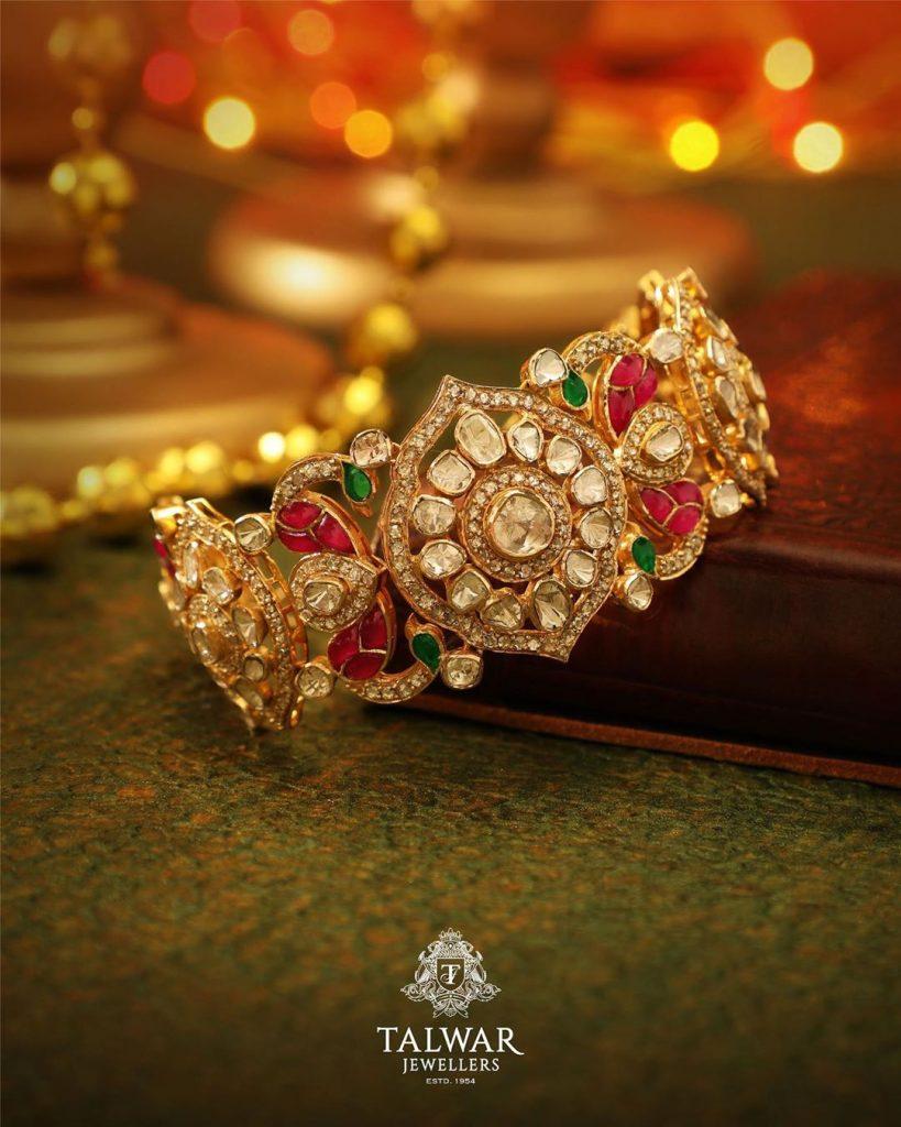 Beautiful Gold Bangle From Talwar Jewellers