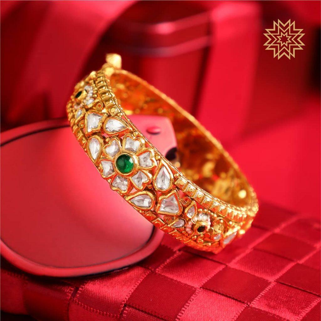 Grand Gold Bangle From Manubhai Jewels