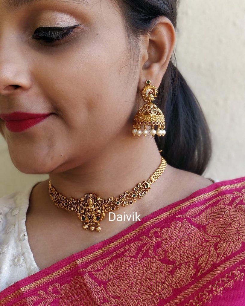 Simple Lakshmi Choker From Daivik