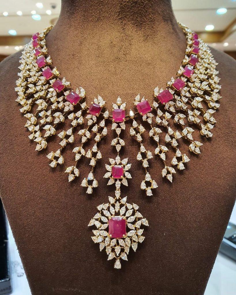 Decorative Diamond Necklace From Mangatrai
