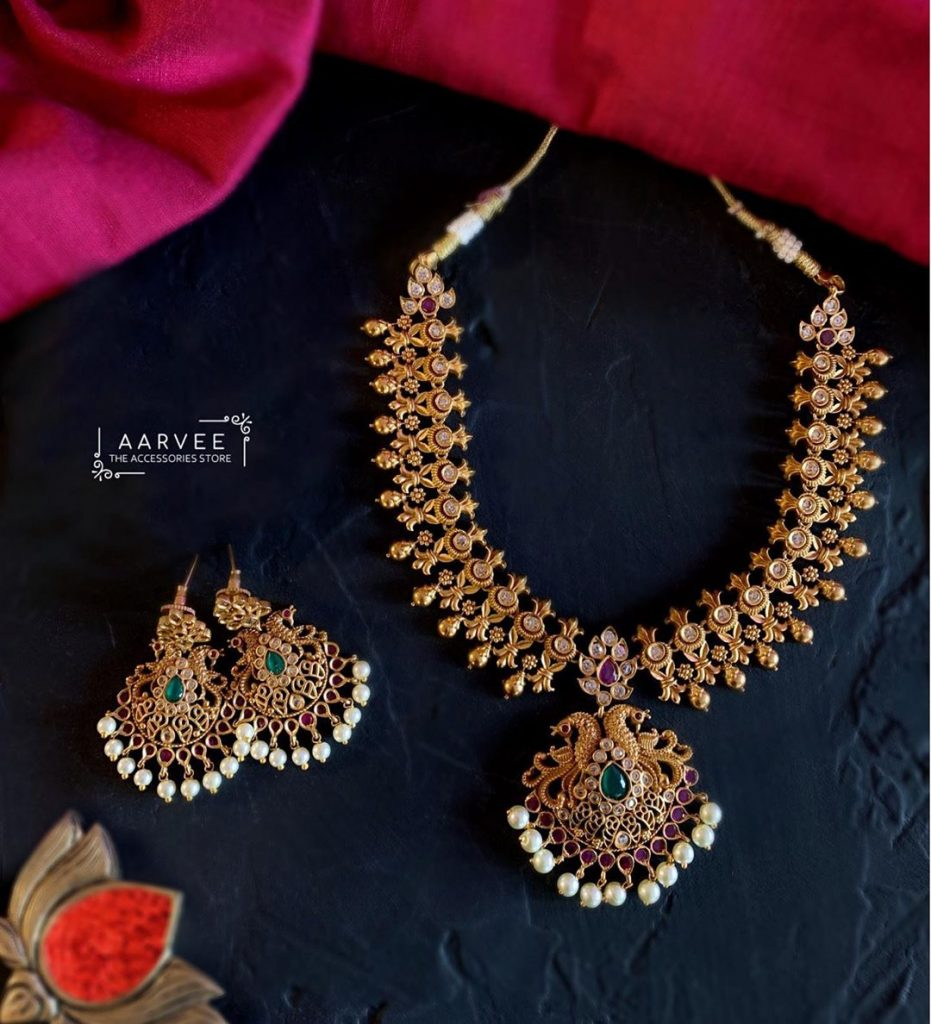 Pretty Necklace Set From Aarvee