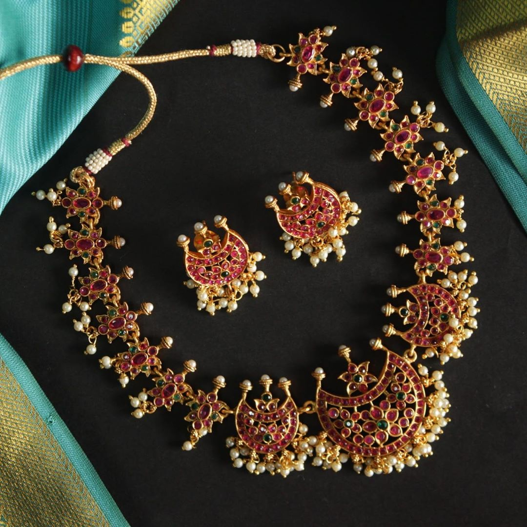 half-moon-kempu-temple-necklace-set