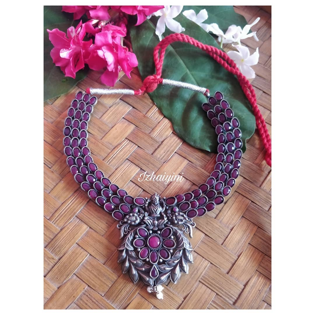 Brass-base-silver-look-alike-statement-neckpiece-with-pink-ad-stones!