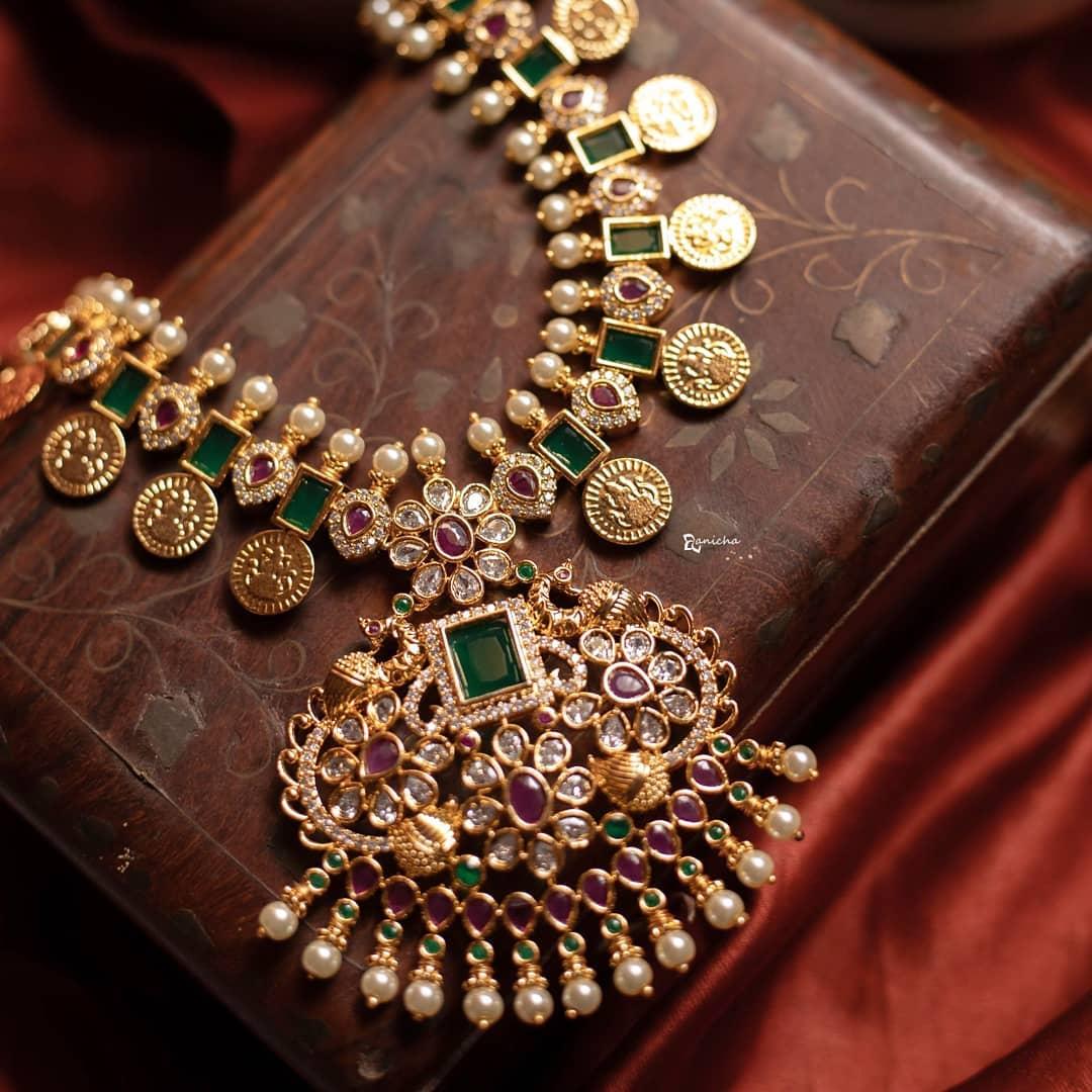 emerald-coin-necklace-set