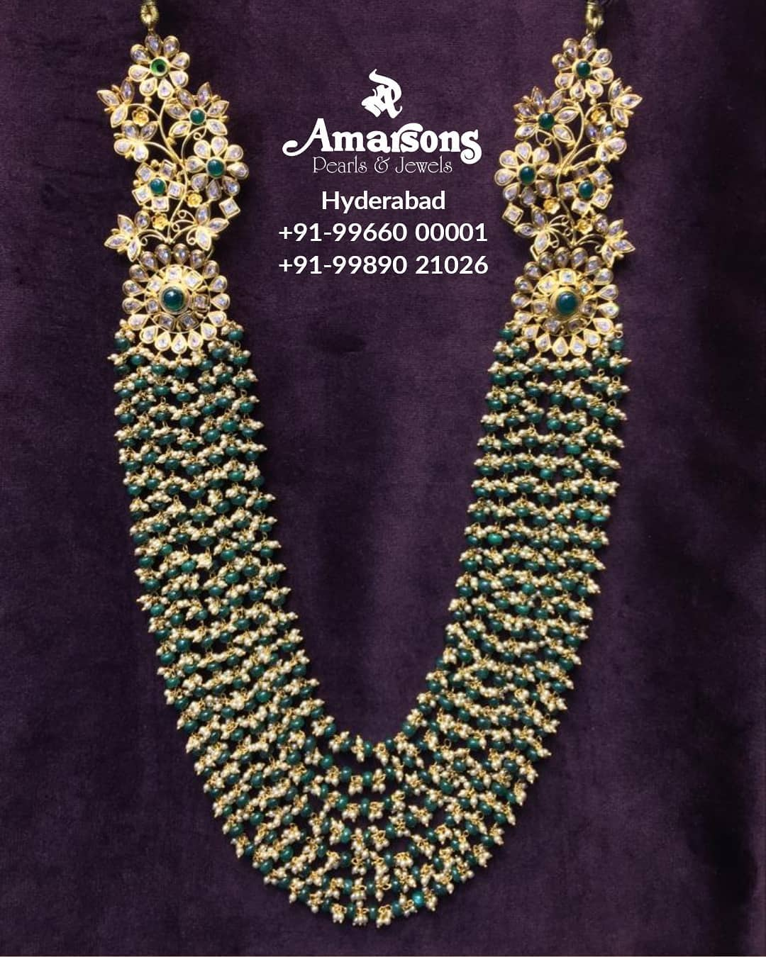 light-weight-necklace-with-pearls-swarovski-stone