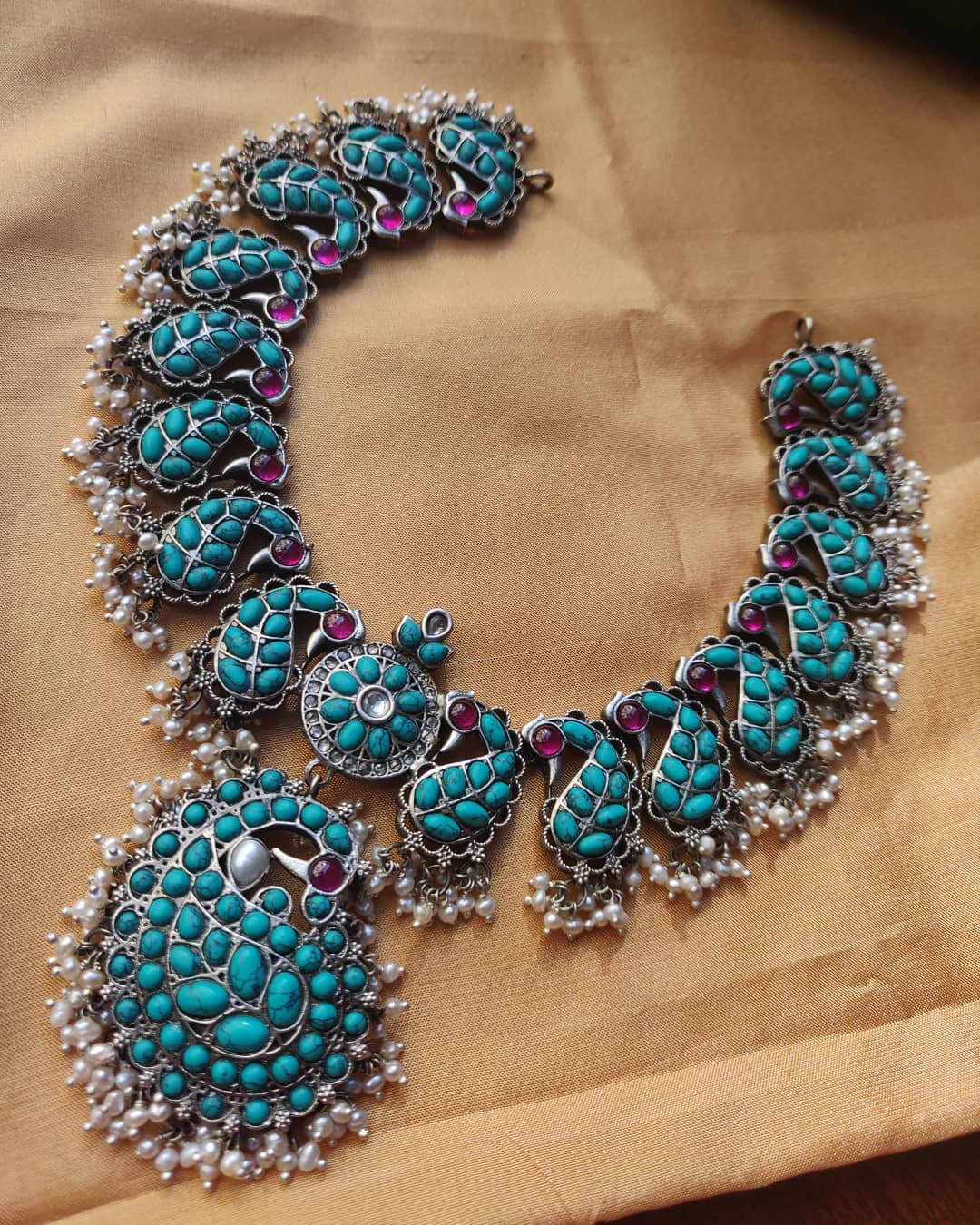 silver-and-pearls-jewellery