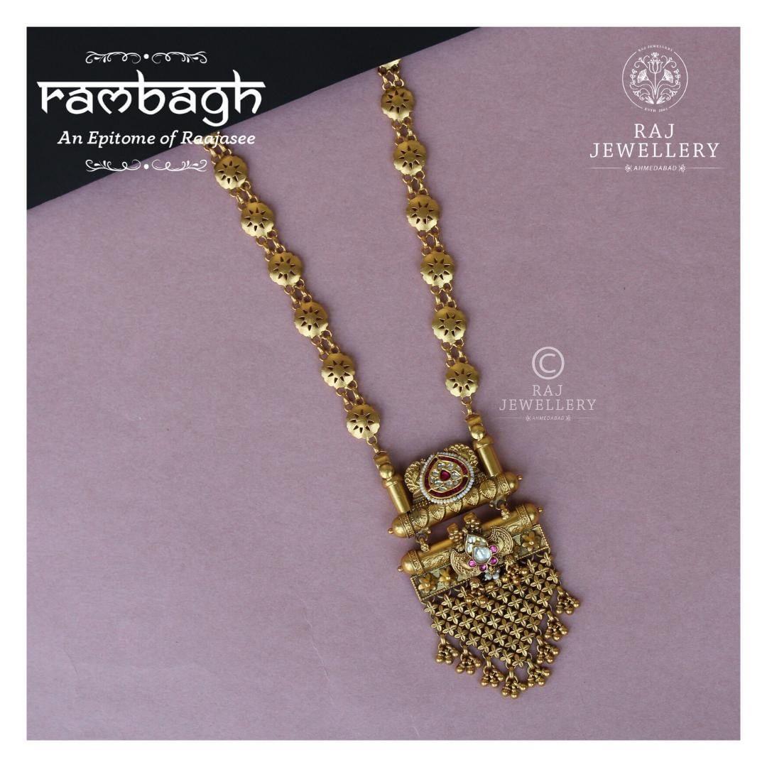antique-gold-bridal-long-necklace